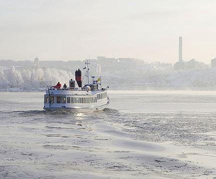 vintertur med båt stockholm